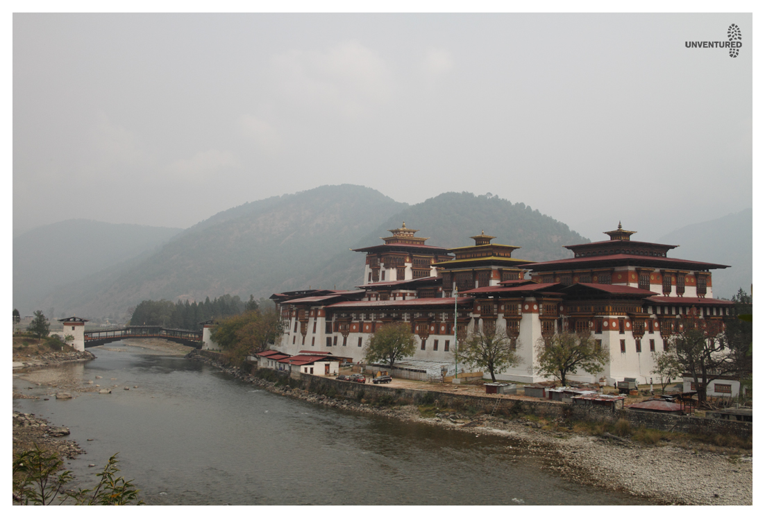 Bhutan Hike Bike Tour - Punaka-Dzong-View